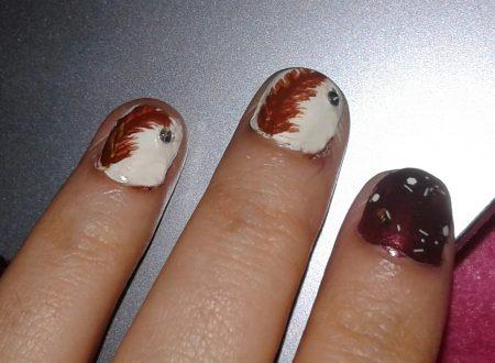 nail art piuma marrone
