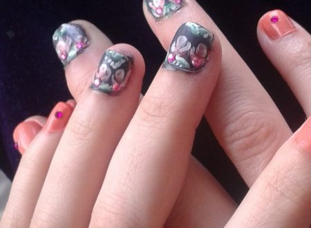 Rosebud nail art-bocciolo