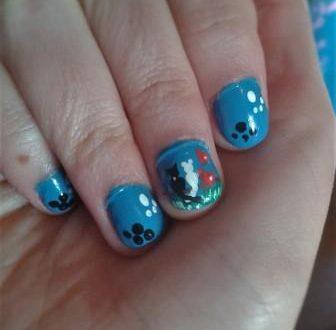 Romantic cats nail art