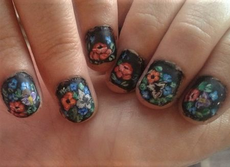 Russian bouquet nails