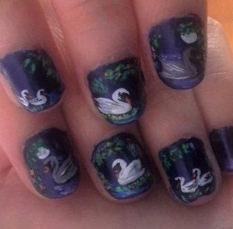 Swans nails-cigni