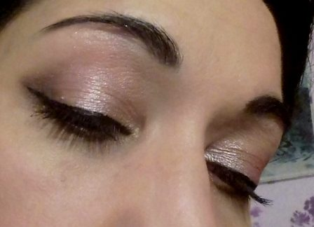 Holidays elegant makeup