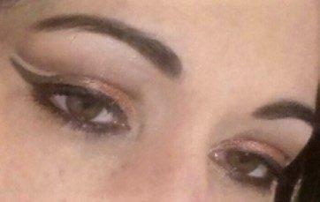 Double cut crease makeup