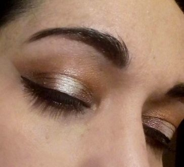 Smokey halo makeup