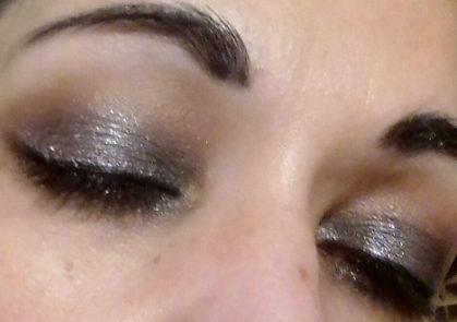 Shimmer dark smokey eyes