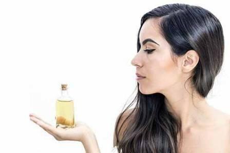 Olio di ricino per uso cosmetico
