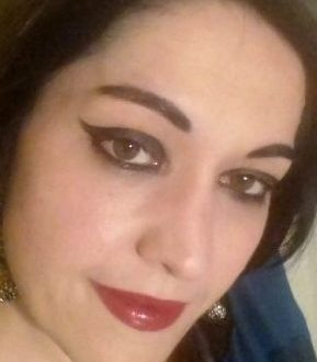 Dark graphic eyeliner makeup