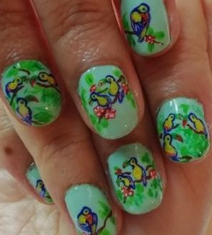 Tropical toucans nails