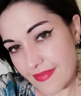 Bold eyeliner makeup