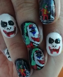 Joker nails Halloween