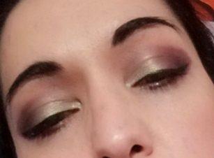 Purple en green cut crease makeup