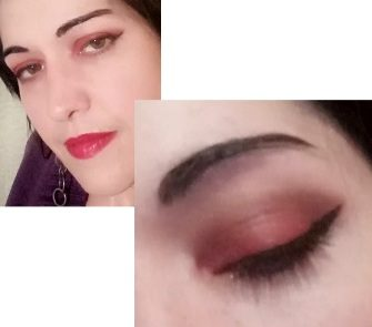 Red makeup for green eyes