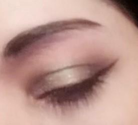 delicate holo makeup