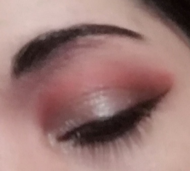 cut crease look