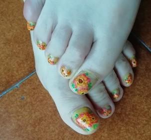 gerbera nails