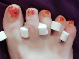 gerbera nail art