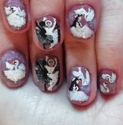 Swans women nails
