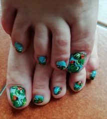 Ladybugs and clovers feet