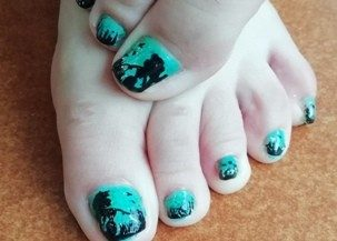 Mermaid feet nails