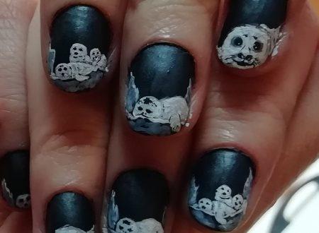White seals nails